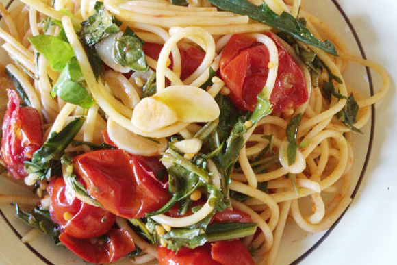 Nancy Harmon Jenkins's Faella Spaghetti With Sun-Burst Tomatoes