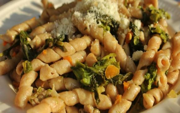 Sunday-Pasta-Busiate-Integrali-con-Rapini-e-Salsiccia-Garrubbo-Guide-640x400